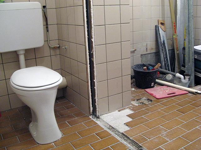 De badkamer vóór...